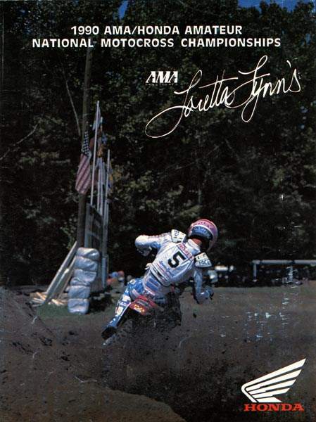 The 1990 Loretta Lynn's Program